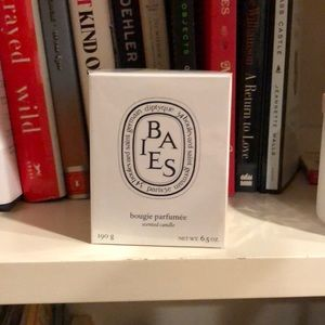 Diptique Baies Candle still in packaging